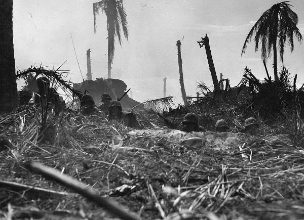 Marines on Roi-Namur in Feb 1944