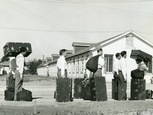 Enlistees with luggage